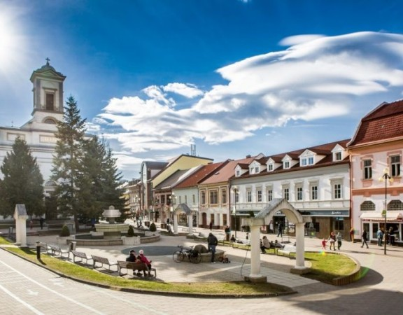 kostol-svatej-trojice-poprad-foto-mik-poprad_full